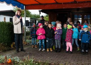 Baubürgermeisterin Kathrin Köhler überbringt ihre Glückwünsche